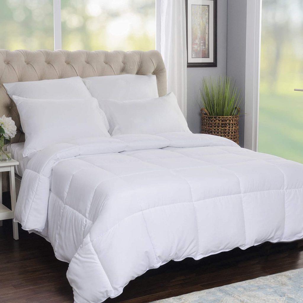 SUPERIOR Solid White Down Alternative Comforter