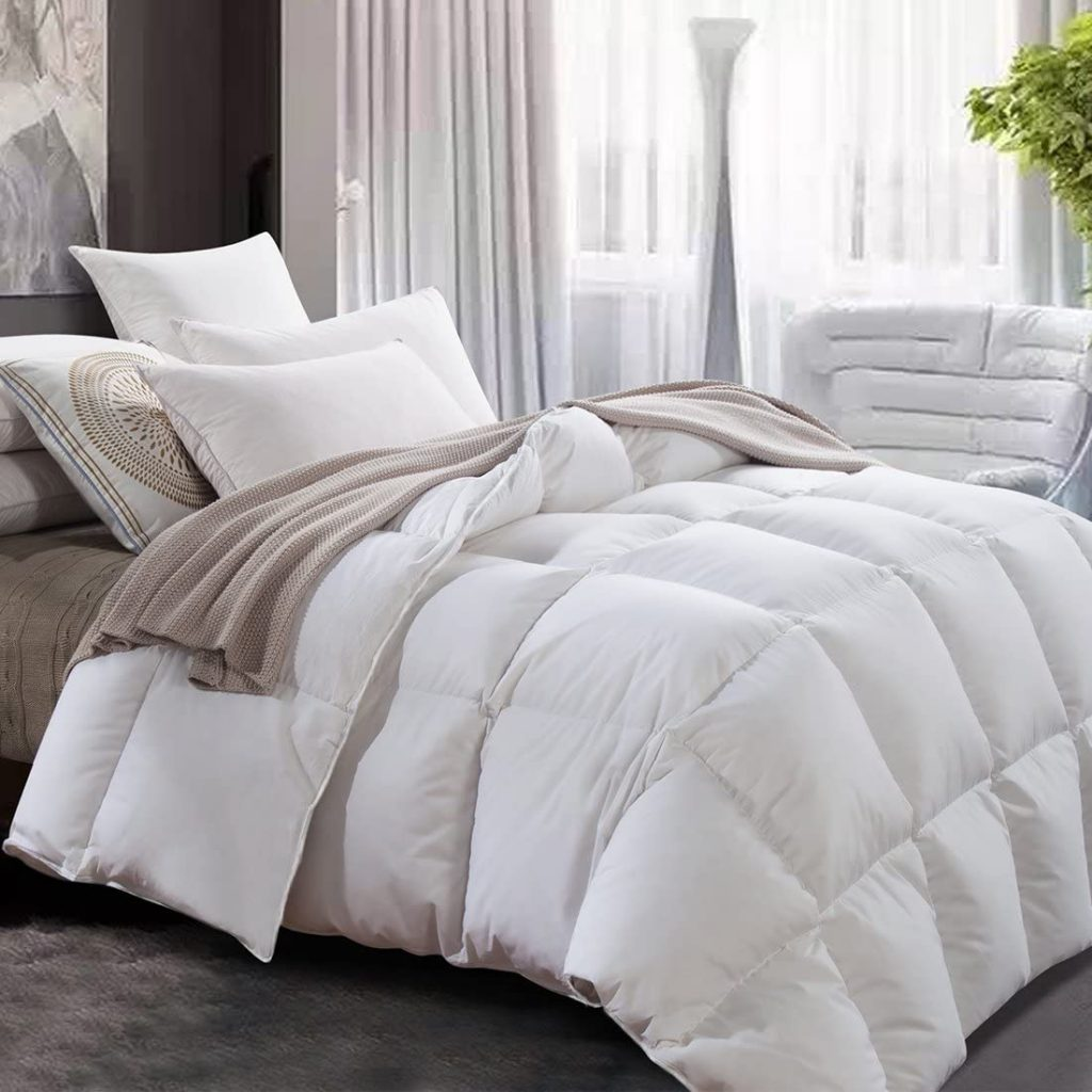 Luxurious White Goose Down Comforter