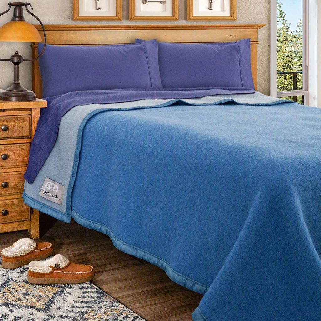 Poyet Motte Aubisque Heavyweight Wool Blanket