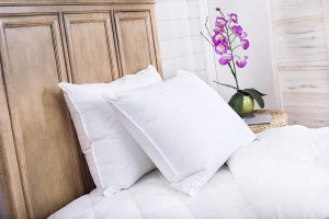 Continental Bedding SP100-Q.2 Set of 2-Superior 100% Down 700 Fill Power Hungarian White Goose Down Pillow